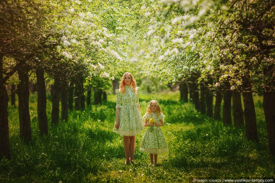 Фотопроект «Мама и дочка». Цветущие сады Крыма.