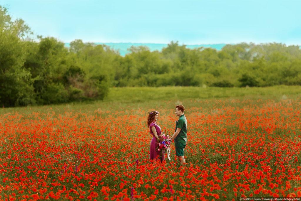 Романтическая фотосессия на маковом поле Для двоих в Крыму. Фотограф - Сергей Юшков
