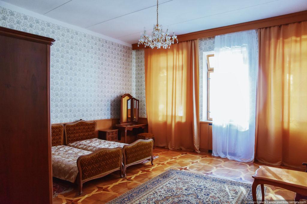 Интерьер дачи Сталина на озере Рица. Абхазия