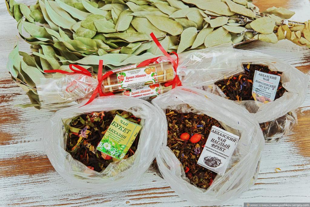 Сувениры из Абхазии. Эвкалиптовый веник, чай