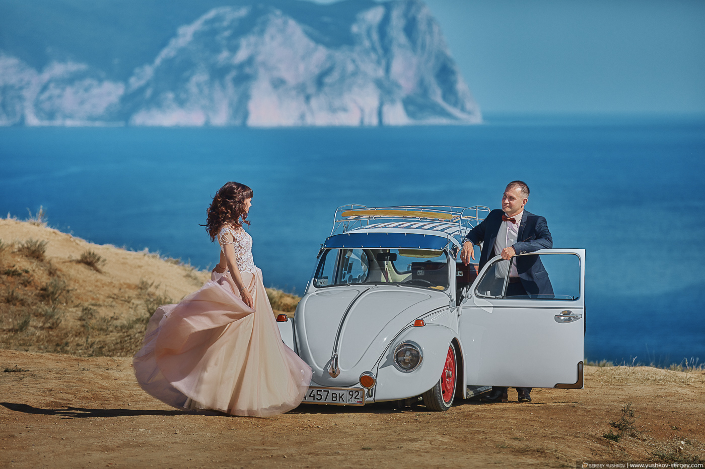 Свадебная фотосессия для двоих у моря. Фиолент, Крым. Фотограф - Сергей Юшков.