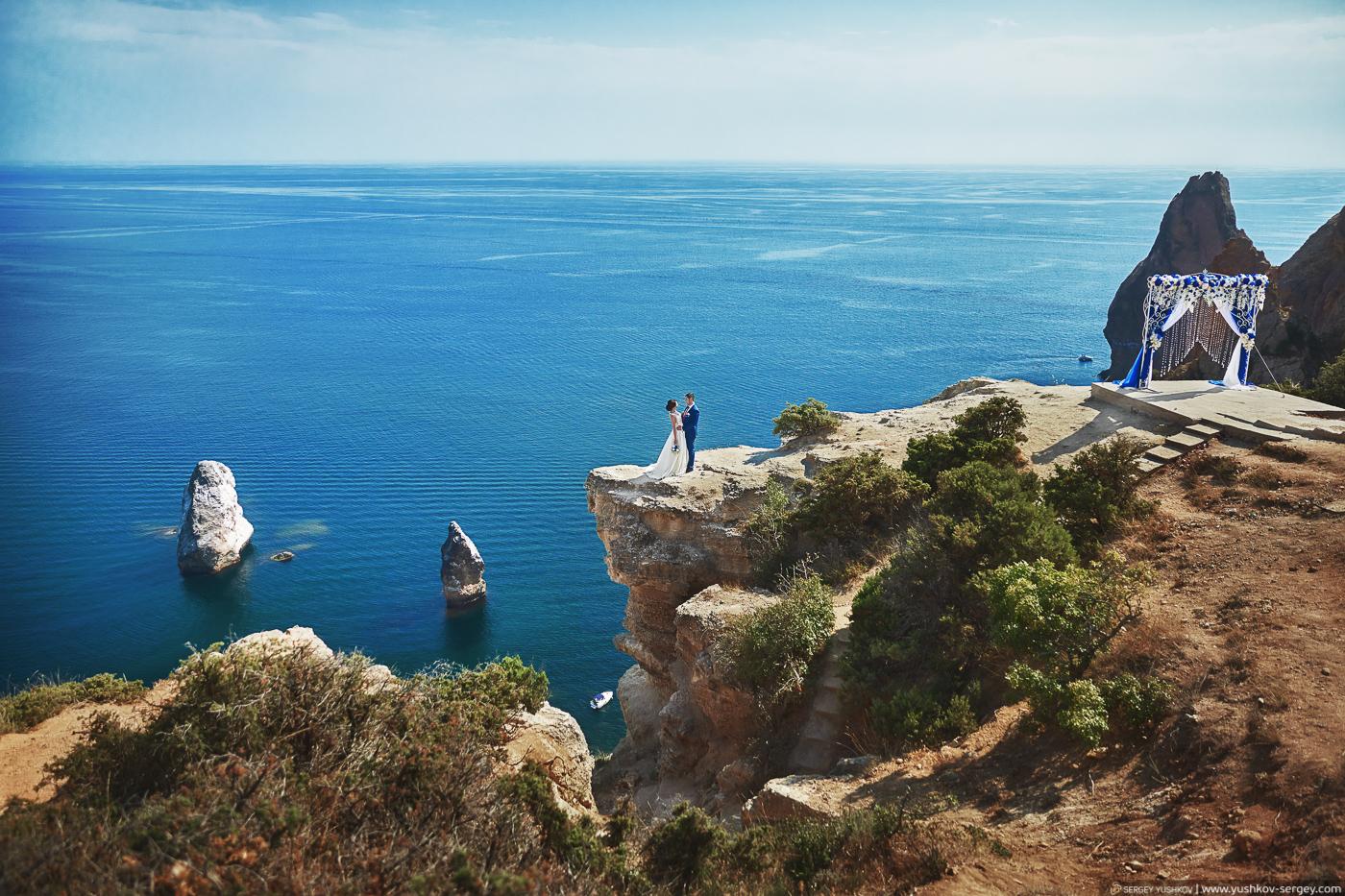 Свадебная фотосессия для двоих у моря. Крым. Фотограф - Сергей Юшков.