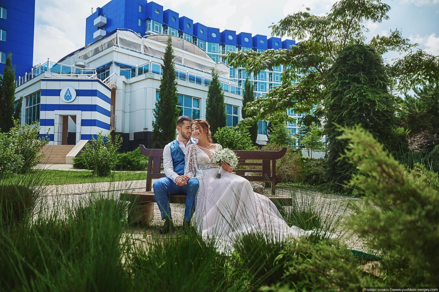 Свадьба для двоих в Крыму. Отель Аквамарин, Севастополь. Фотограф - Сергей Юшков.