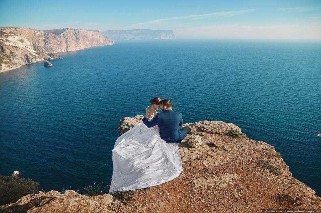 Свадьба для двоих в Крыму. Фотосессия на мысе Фиолент, Севастополь. Фотограф - Сергей Юшков.