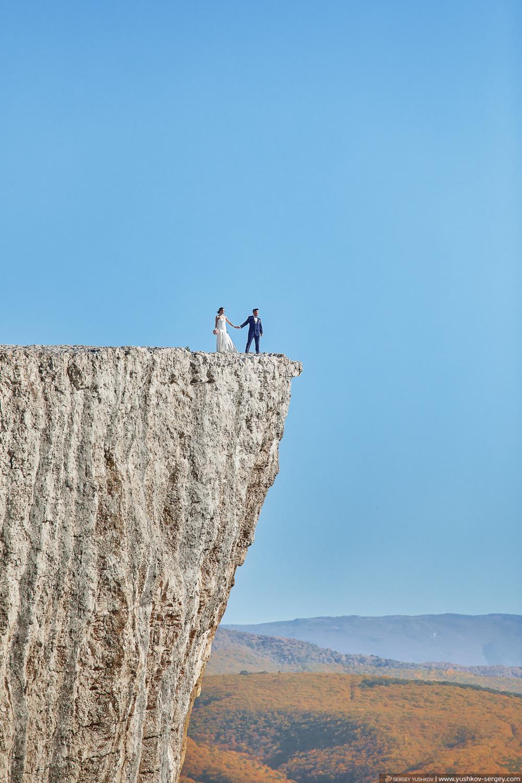 Свадебная фотосессия / лавстори на обрыве горы. Качи - Кальон. Фотограф в Крыму - Сергей Юшков